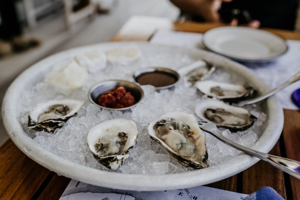 Oysters on ice