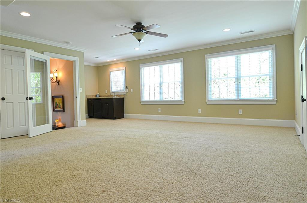 725 Arbor Road bonus room